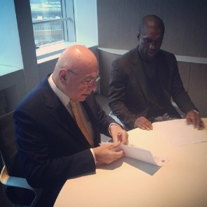 Clarence Seedorf Allenatore Milan firma con Adriano Galliani